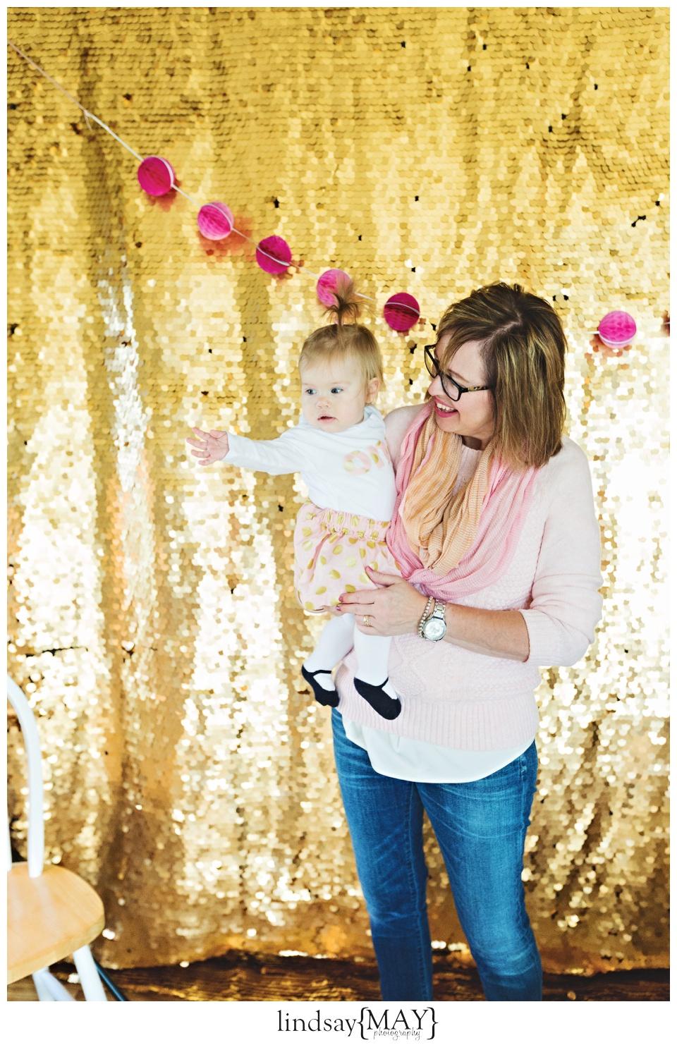 pinkandgoldfirstbirthdaypartylindsaymayphotography_0036.jpg